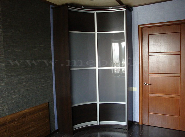 Радиусный шкаф 4