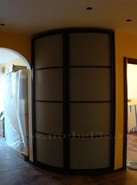 Распашной двухдверный шкаф 910х910.