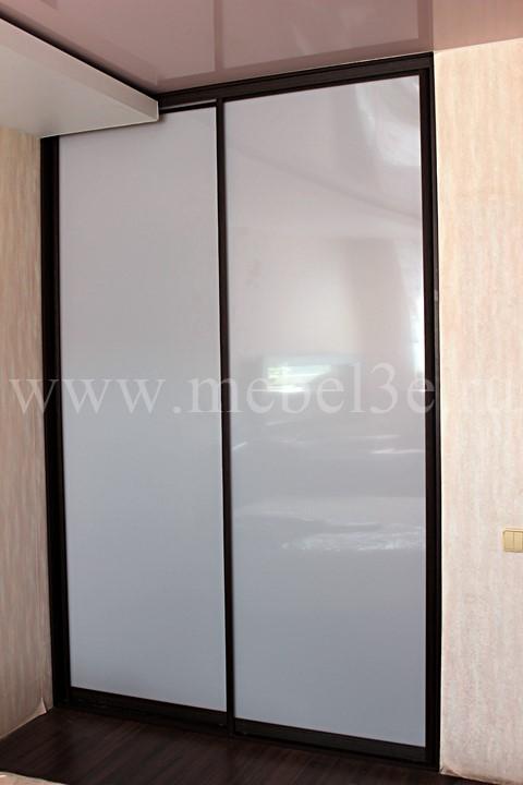 Шкаф купе с акриловым стеклом