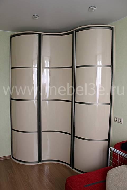Угловой радиусный шкаф 1500х1500 с распашными дверями.