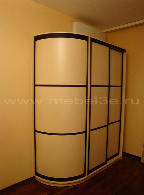 Радиусный шкаф 27