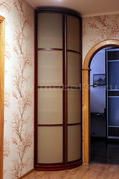 Радиусный шкаф 33