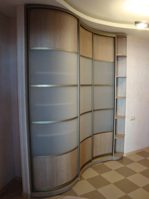 Угловой радиальный шкаф с радиусной дверью