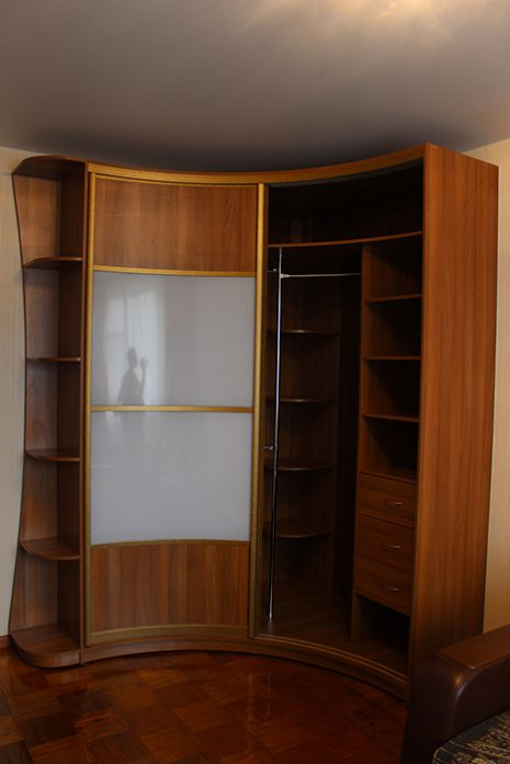 Радиусный шкаф 66-3