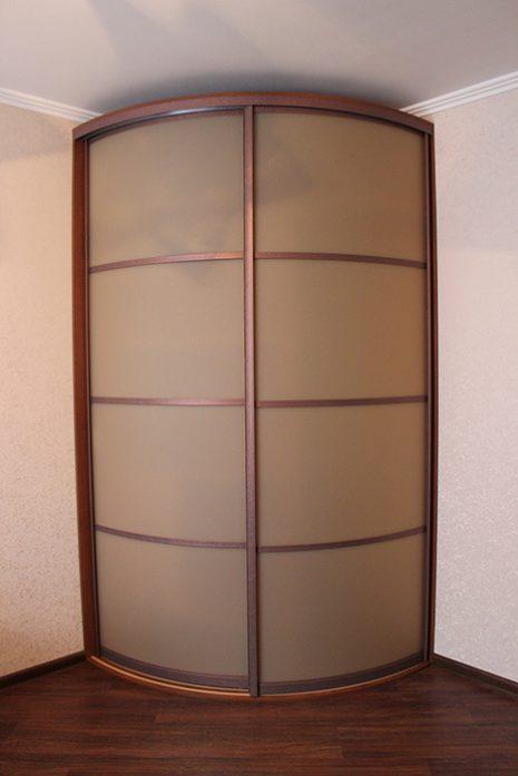Радиусный шкаф с зеркалом 1100 х 1100 мм.