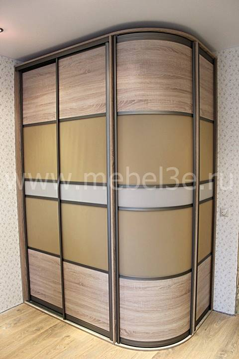 Шкаф с радиусной дверкой